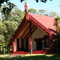 waitangi meeting house